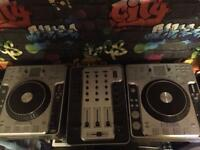 Stanton 2x cd turntables and mixer all boxed