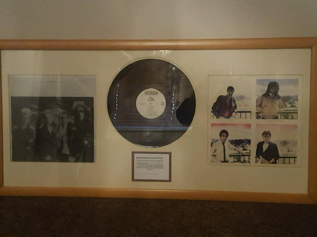 FRAMED QUEEN ALBUM 'THE GAME'
