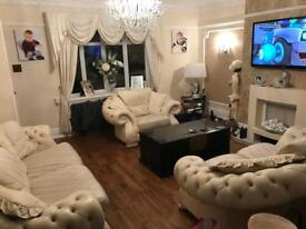 Fantastic pendragon cream leather 3 piece suite