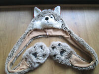 GIRLS WOLF HAT / SCARF COMBO - NEARLY NEW - AGE 7-10 YEARS - EXC. COND
