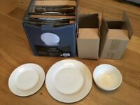 White dinner service 6 dinner plates, 6 side plates and 6 bowls dishwasher and microwave safe