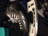 Nike Bauer supreme one35 size 9 mens