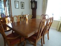 DINING ROOM SUITE & DISPLAY CABINET