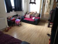 "2 BEDROOM GROUND FLOOR FLAT NEAR GOODMAYS STATION RENT 1250 INC WATER BILL ""PART DSS WITH GRANTOR"""