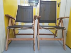 2 Collapsible Deck Chairs