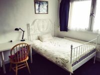 ***AMAZING EXTRA LARGE DOUBLE ROOM 5 MINS TO SURREY QUAYS STATION ALL BILLS INCLUDED £150 PER WEEK
