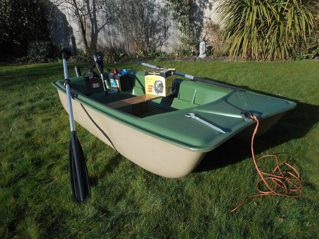 Bic 252 fishing boat utility dinghy plus electric outboard for Dinghy motor for sale