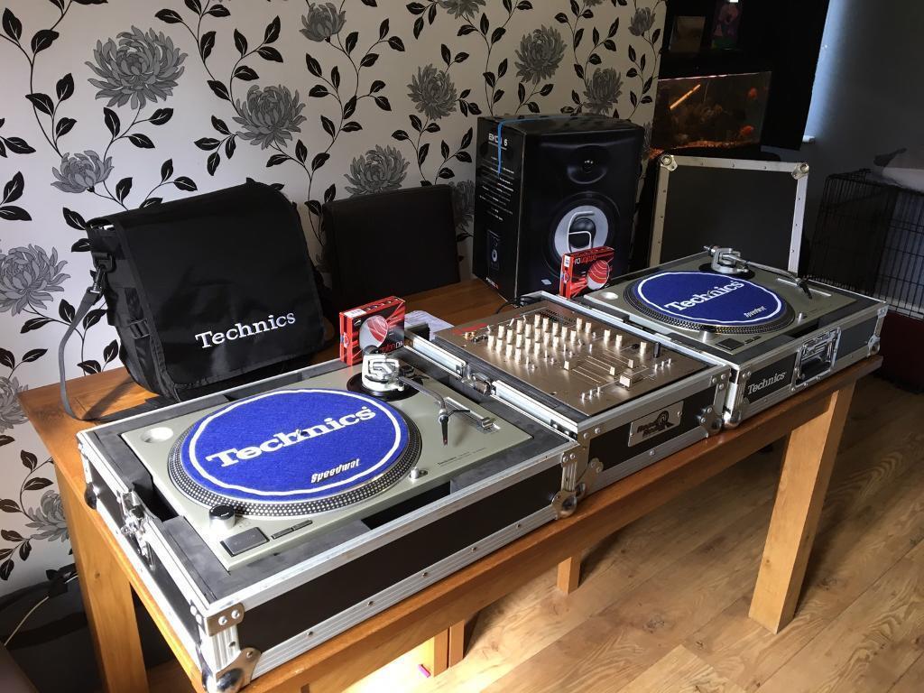technics 1200 mk2 full dj set up in croydon london gumtree. Black Bedroom Furniture Sets. Home Design Ideas
