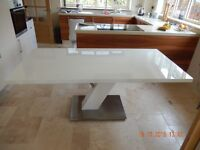 Large Stunning high gloss white laquered modern top quality dining table. 180cm x 90cm. seats 8-10