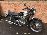 Triumph Bonneville T100 2007 - 865 cc, Carburetor, Fully Serviced, Rear Rack, Side Panniers, Retro