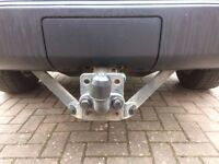 Land Rover Discovery Towbar suitable for both Discovery 3 or 4
