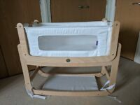 SnuzPod² Bedside 3 in 1 Crib - Natural - Excellent Condition - Bedding Included - Smoke & Pet Free