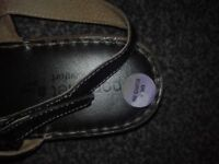 womens slippers size 5