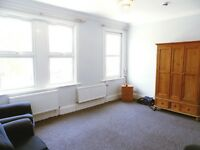 **4 Bedroom Flat** West Ealing **