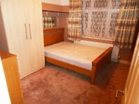 No Agency Fees! Good size double room available 10 minute walk from Gants hill Station