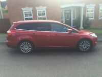 FORD Focus Estate Cherry Red Metallic Titanium X 1.0 Eco-Boost 42,000miles FSH £30Tax