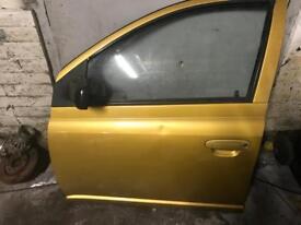 Toyota Yaris Passenger door
