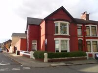 2 bed ground fl flat, gch, double glazing, lisburn la, L13new decor and flooring viewing recommended