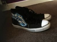Metallica size 11 converse shoes