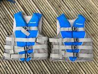 Pair Stearns Ski/kayak/wakeboard watersport buoyancy aids, youth/slim adult size