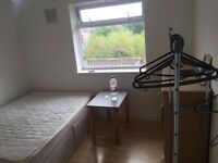 A room for rent, £275 per month, bills are included