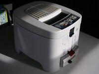 Delonghi Deep Fat Fryer model F13235