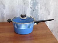 FAB JUDGE VINTAGE RETRO BLUE GINGHAM CHECK ENAMEL SAUCEPAN WITH GLASS LID 18 cm