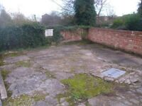 PARKING SPACE AVAILABLE,RETFORD,NEAR TOWN,01777 948093.
