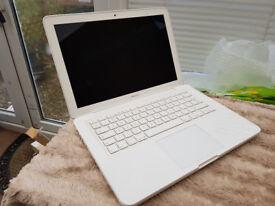 Apple MacBook 2010 DDr3 Unibody ( Spares or Repair )