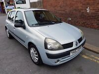 2003 53 Renault Clio 1.4 petrol Automatic 5 doors. Sun roof 12 months mot