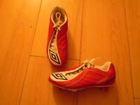 UMBRO FOOTBALL BOOTS IN RED SIZE 1, ONLY WORN ONCE