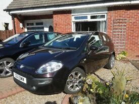 QUICK SALE!! FIAT PUNTO EVO 2011. GREAT WEE CAR. £2200 ONO. FIRST DECENT OFFER GETS IT