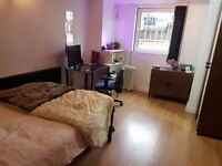 Double Bedroom available from Dec 2016-Jun 2017 - Richmond Avenue, Headingley LS6 1DB