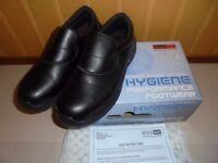 Non Slip sole shoe Brand New Size 9