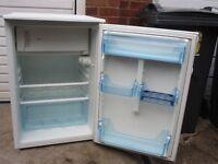 Fridge freezer, 6 months old Lec under counter fridge freezer, still like new,,