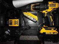 18v New 175mm Sub Compact Dewalt Combi Hammer Drill. DCD709 XR Two Batteries.