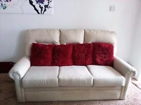 3 PIECE SUITE INCLUDES FREE DELIVERY, 3 THROWS & FLUFFY SCATTER CUSHIONS.
