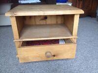 Pine drawer unit - low