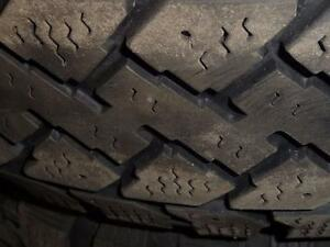 4 pneus d'hiver, 195/65/15 Pacemark Snowtrakker Radial ST/2