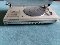 Hitachi 100 W stereo turntable / music centre
