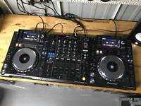 2x Pioneer CDJ 2000 Nexus + DJM 900 Nexus Mixer V Good Fully working