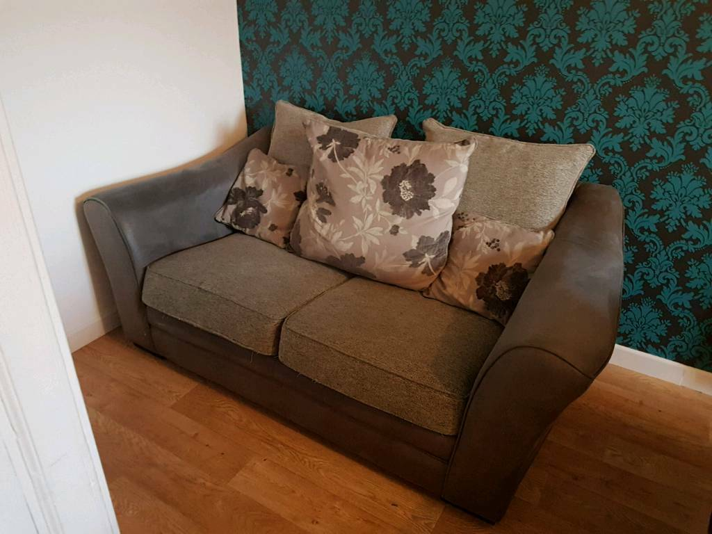 2 And 3 Seat Sofas In Leslie Fife Gumtree