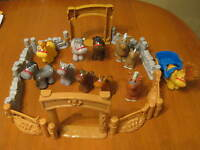 FISHER PRICE LITTLE PEOPLE HORSE CORRAL WITH HORSES FARM