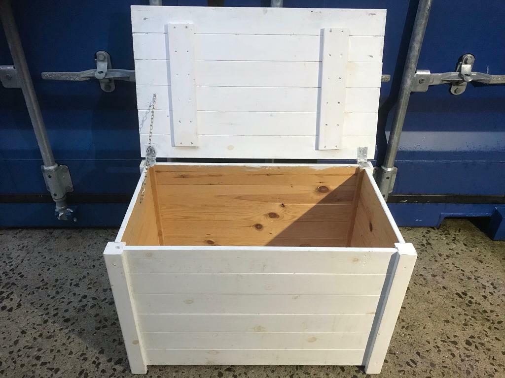 Painted pine bedroom box FREE DELIVERY PLYMOUTH AREA