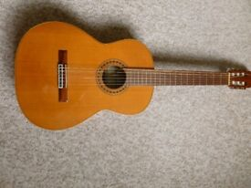 Classical guitar by luthier Joan Cashimira. See description.