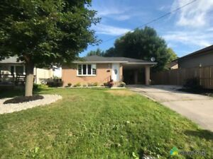 $360,000 - Bungalow for sale in London