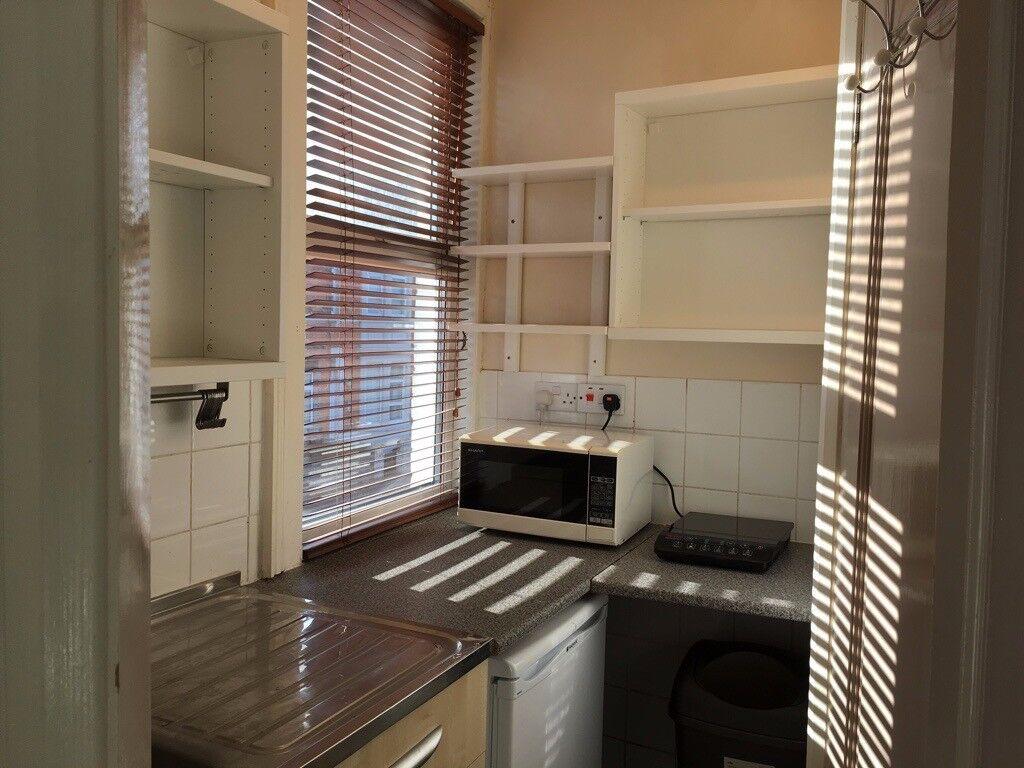 1 Bedroom Studio Room Flat Own Kitchen And