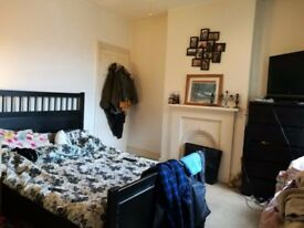 Double bedroom leading to extra room in house share with garden. Perfect for couple