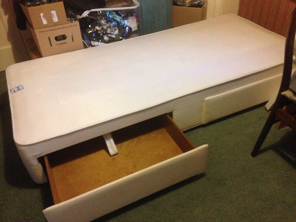 Single Bed Base With 2 Drawers Excellent Condition 6 3