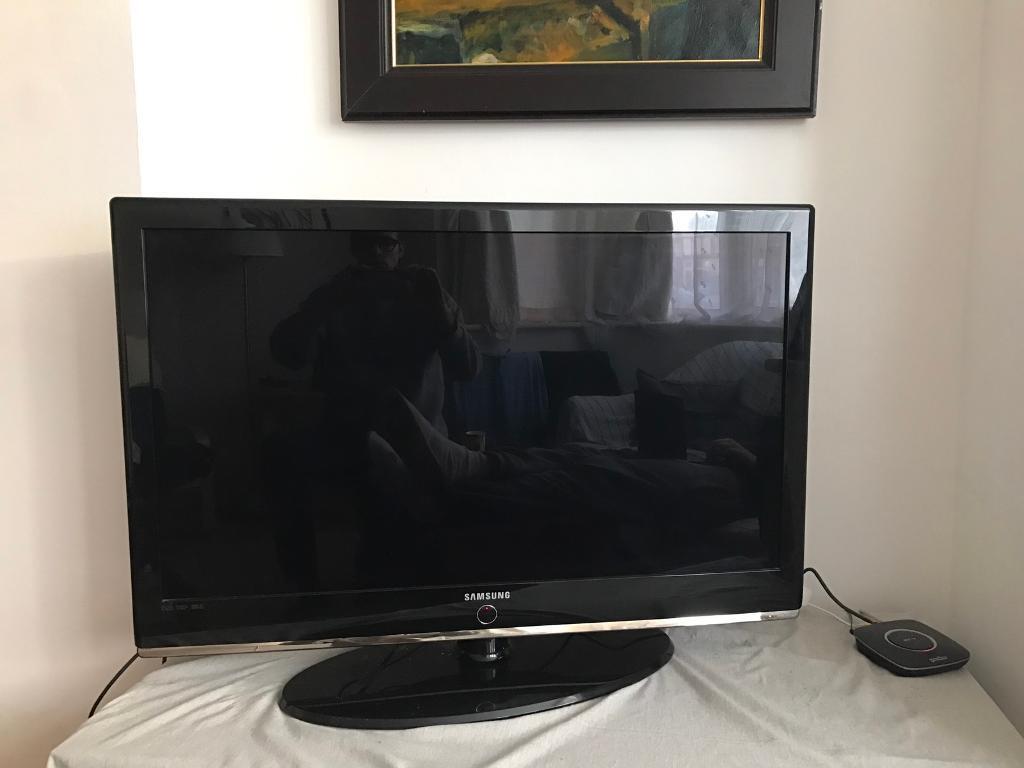 "40"" Samsung Flatscreen TV"